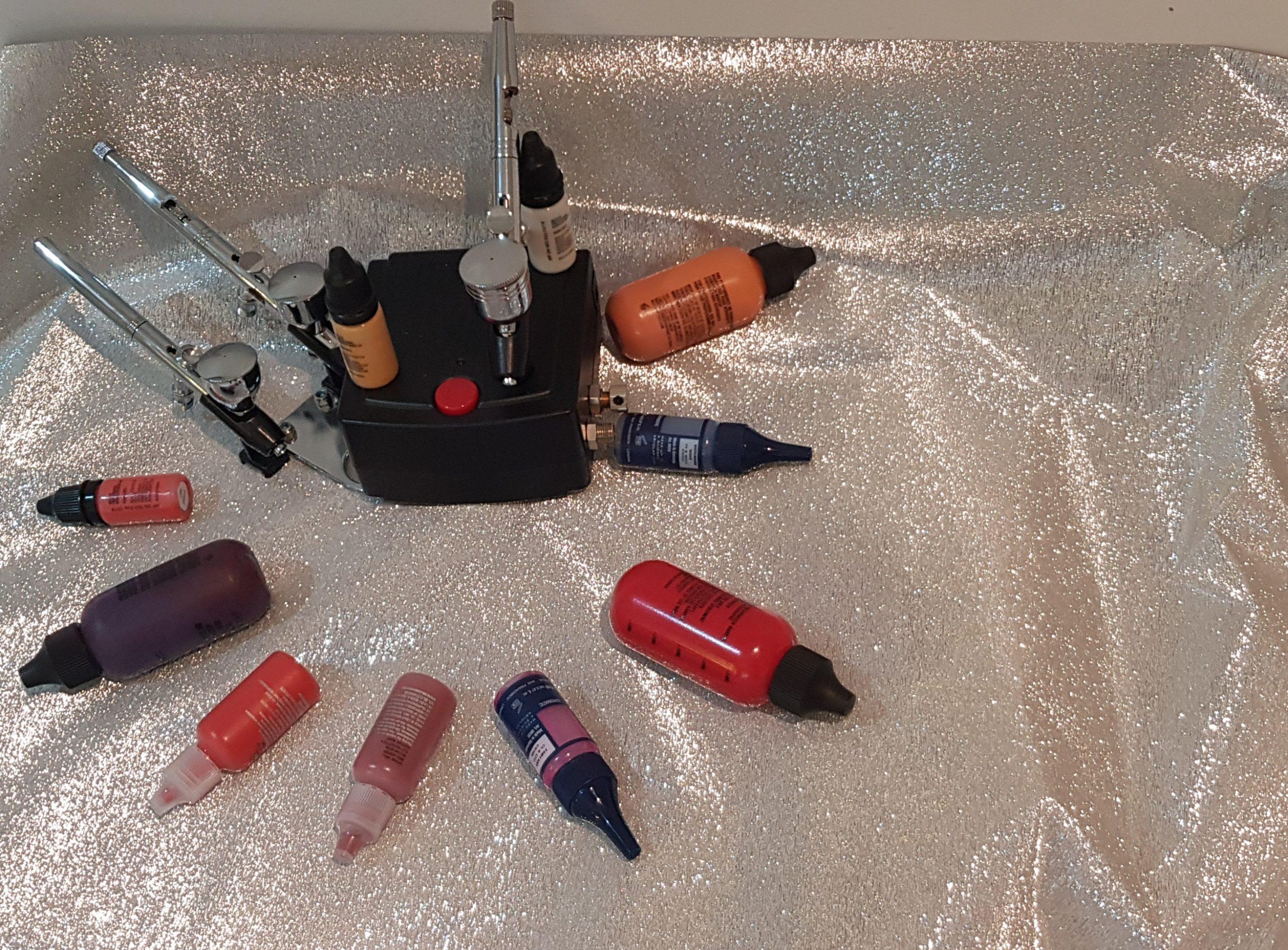 Kit Aerografo, alcuni prodotti trucco di base silicone